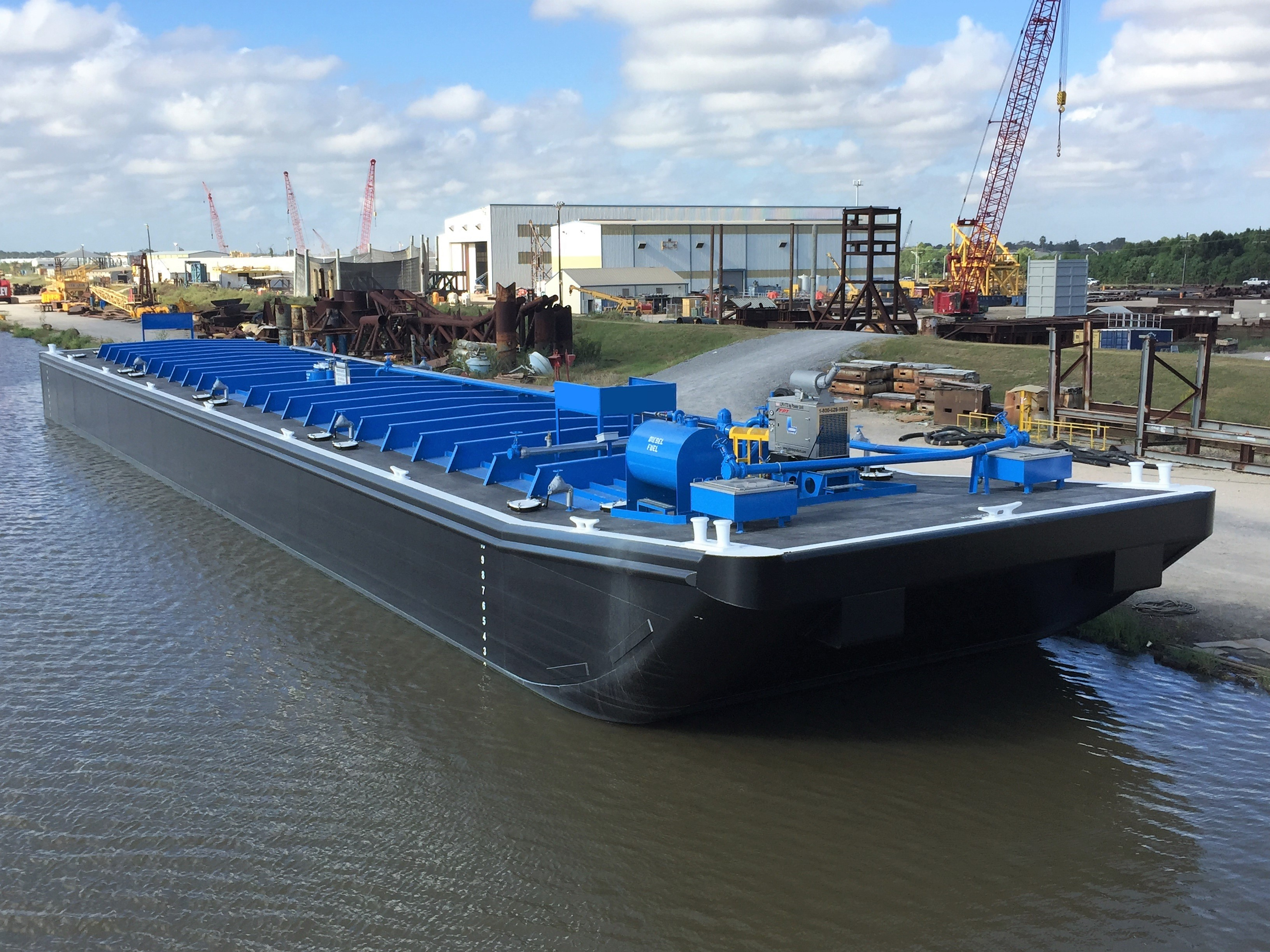 Commercial vessel design - repair tank barge